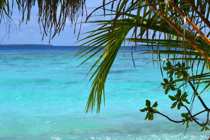 Unser eigener Strandzugang. Sooo blaues Wasser!